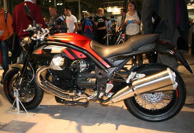 2014 Salon de la Moto à Milan Griso Rouge