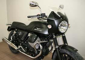 Tête de fourche aux couleurs de votre moto, avec bulle transparente. Montage possible sur toutes les V7